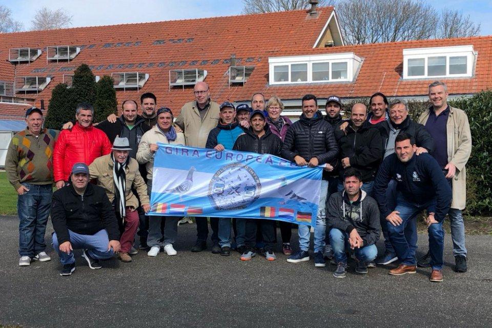 Group of Argentinian pigeon fanciers visiting Hans and Evert Jan Eijerkamp