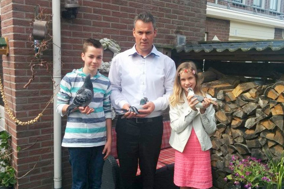 Maarten Hakvoort and son won 4th Sittard 183 km. against 21,629 pigeons provincial